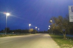 Bari, nuova illuminazione nei pressi del San Nicola. Installate 50 lampade a led