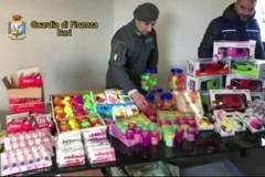 Sbarca dalla Grecia a Bari con 40mila giocattoli non a norma. Scatta il sequestro