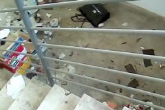 Carbonara, degrado nel mercato di via Vaccarella. Il sottoscala è una discarica