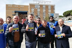 Ospedale pediatrico di Bari, protesta Forza Italia: «Code al pronto soccorso e ritardi nei ricoveri»