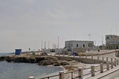 Torre a Mare, interdetto l'accesso alla scogliera sul litorale in via dei Trulli