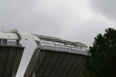 Lo stadio San Nicola di Bari perde i pezzi. Vola un altro petalo