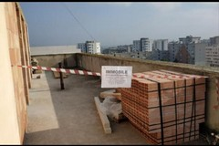 Bari, terrazza abusiva su palazzina popolare a Japigia. Al via l'abbattimento