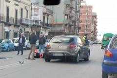 Bari, auto contro moto in via Brigata Regina