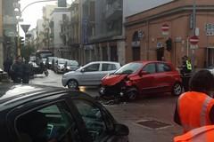 Brutto incidente al Libertà di Bari, due auto distrutte