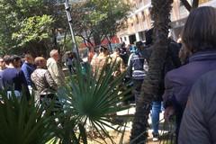 Rissa in piazza Moro a Bari, interviene la polizia