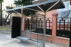 """Amtab Bari, ecco le nuove pensiline a """"ombrello"""" con prese per i cellulari e impianto fotovoltaico"""