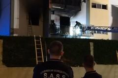 Bari, incendio a San Pio. Le foto del rogo