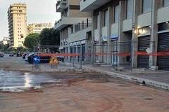 Bari, salta una condotta in via Colajanni strada allagata