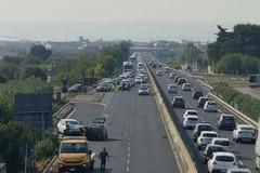 Grave incidente sulla SS16 verso Bari, 23enne in prognosi riservata
