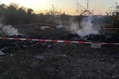 I due baresi beccati a bruciare rifiuti a Santa Rita