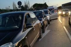 Bari, via Fanelli nel caos: tamponamento a catena all' altezza di via Vela