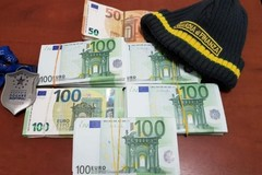 Scoperto con 51mila euro al porto di Bari: «Sono per beneficenza»