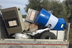 Da Bitonto a Bari senza patente per abbandonare rifiuti, beccato