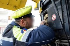 Tachigrafo alterato nel camion, multa di oltre 2 mila euro a Bari