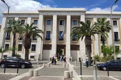 Covid-19, un caso nel reparto di Ginecologia del Policlinico di Bari