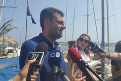 Il sindaco Decaro presenta il Seabin installato a Bari