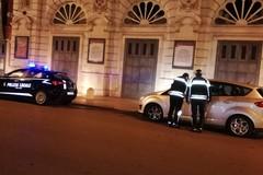 Multe ai monopattini e daspo per due parcheggiatori abusivi a Bari