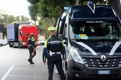 Bari, sorpreso veicolo con tachigrafo alterato. Multa da oltre 5 mila euro