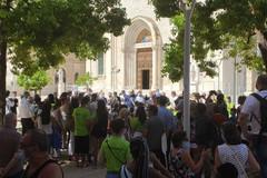Bari, dopo proteste e ritardi inaugurata la nuova piazza del Redentore