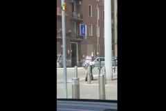 Bari, in due senza casco sul monopattino. Scatta la multa