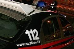 Bari, non si ferma all'alt: carabinieri sparano fuori dal fast food