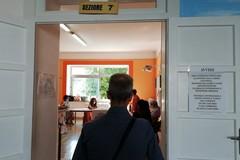 Elezioni e referendum, matite sanificate solo nei seggi Covid. Il vademecum per il voto