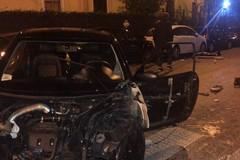 Bari, maxi incidente in corso Benedetto Croce: auto contro veicoli in sosta