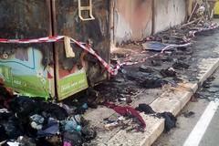 Bari, aveva incendiato bidoni al Libertà. Individuato e multato