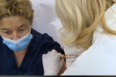 Le prime vaccinazioni anti-Covid al Policlinico di Bari