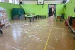 Vandali alla scuola San Francesco a Bari, devastata la palestra