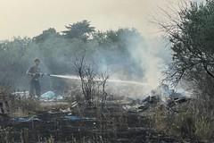 Continua a bruciare la campagna a Bari, vasto incendio a Japigia