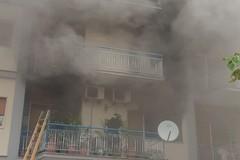 Prende fuoco lo studio di un dentista in corso Mazzini, evacuato il palazzo