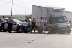 Auto contro furgone sulla provinciale Putignano-Gioia del Colle. Traffico in tilt