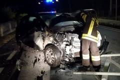 Incidente nelle notte a Santo Spirito, auto distrutte e cinque feriti