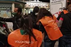 Volontariato, l'associazione InConTra assiste i migranti sbarcati a Bari