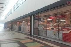 Ipermercati in Puglia aperti a Ferragosto, è polemica