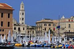 A Bari i campionati giovanili di vela in doppio, duecentosedici equipaggi al via