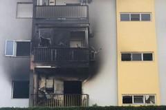 Bari, incendio a San Pio, 11 famiglie senza casa. C'è chi dorme in macchina