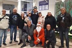 Un Natale più dolce all'oncologico con doni e dolci del San Paolo