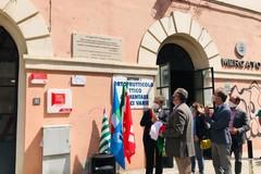 """""""Così la Costituzione entrò in fabbrica"""", una targa a Bari per il 50° anniversario dello Statuto dei Lavoratori"""