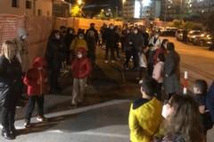 Bari, caos al Di Venere. Una sola infermiera per il tampone a 80 bambini