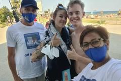 Bari, giovane coppia ritrova la borsa rubata grazie ai volontari