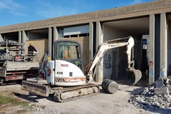 Bari, a San Pio iniziata la demolizione del mercato mai utlizzato