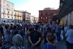Cittadini in piazza contro i roghi: «Bari non sarà nuova terra dei fuochi»