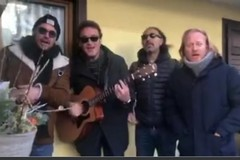 """Salvini citofona allo """"spacciatore"""", la parodia della Rimbamband"""