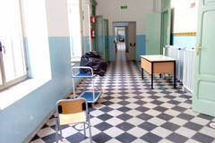 """Chiusura scuola """"Del Prete"""", via allo sgombero delle aule"""