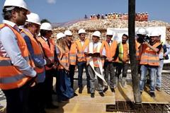 Partono i lavori dell'ospedale Monopoli-Fasano, Emiliano: «La Puglia è tutta un cantiere»