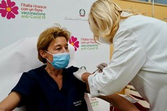 Covid, 4000 dosi di vaccino Moderna arrivano in Puglia