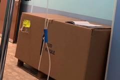 Poltrona donata al Policlinico da mesi ferma nello scatolone